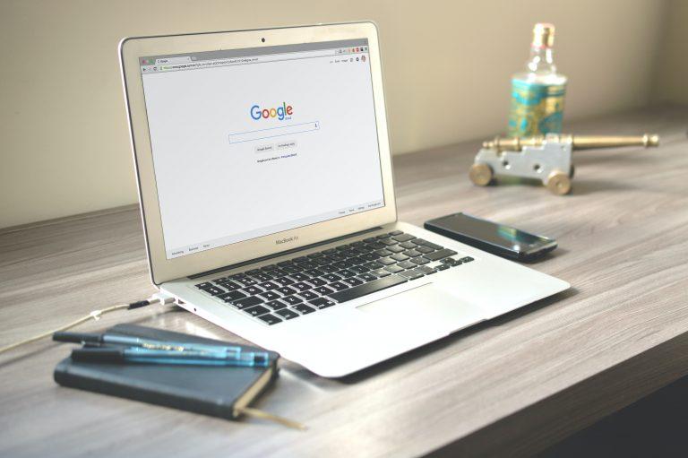 Hvordan få nettsiden på Google